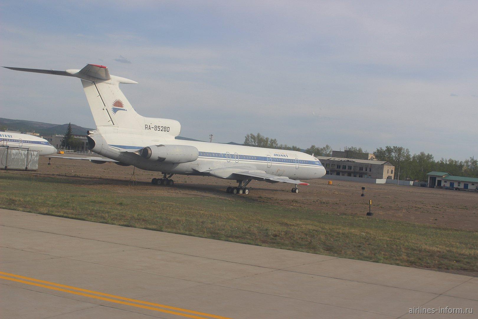 Ту-154 Саяны в аэропорту Читы