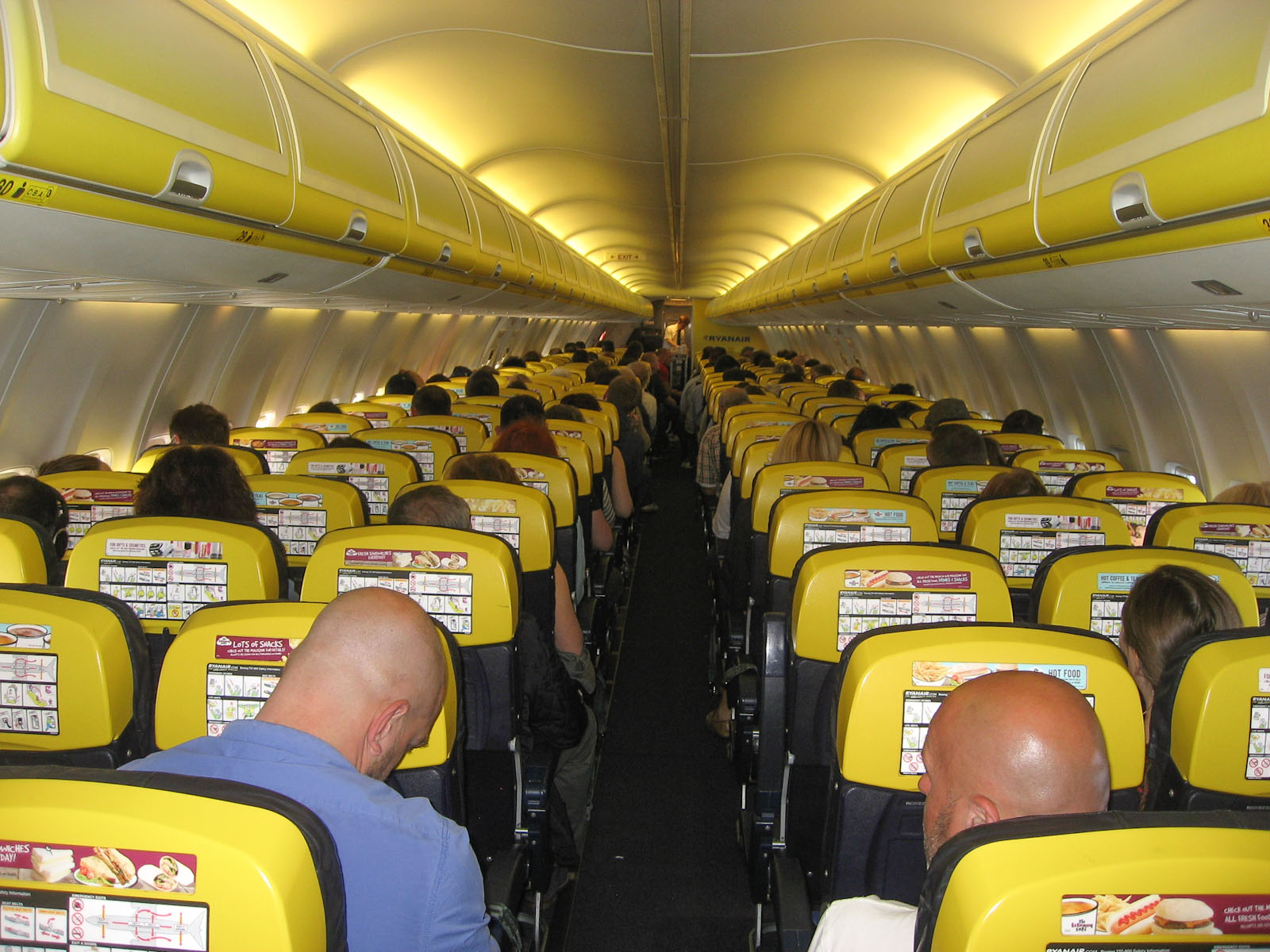 Картинки по запросу фото салон самолёта Руанайр