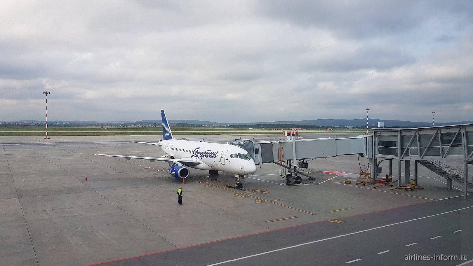 """На восток"". SVX-YKS с авиакомпанией ""Якутия""."