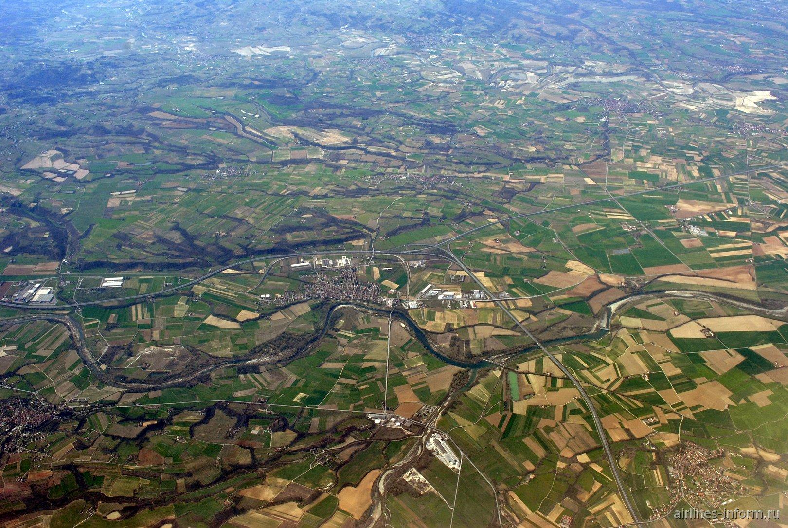 Город Predosa на реке Torrente Orba на севере Италии