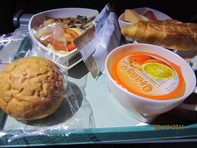 Meal on the flight Bankok - Hong Kong