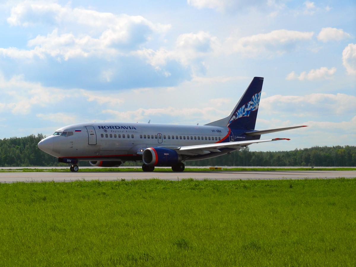 Боинг-737-500 авиакомпании Нордавиа в аэропорту Домодедово