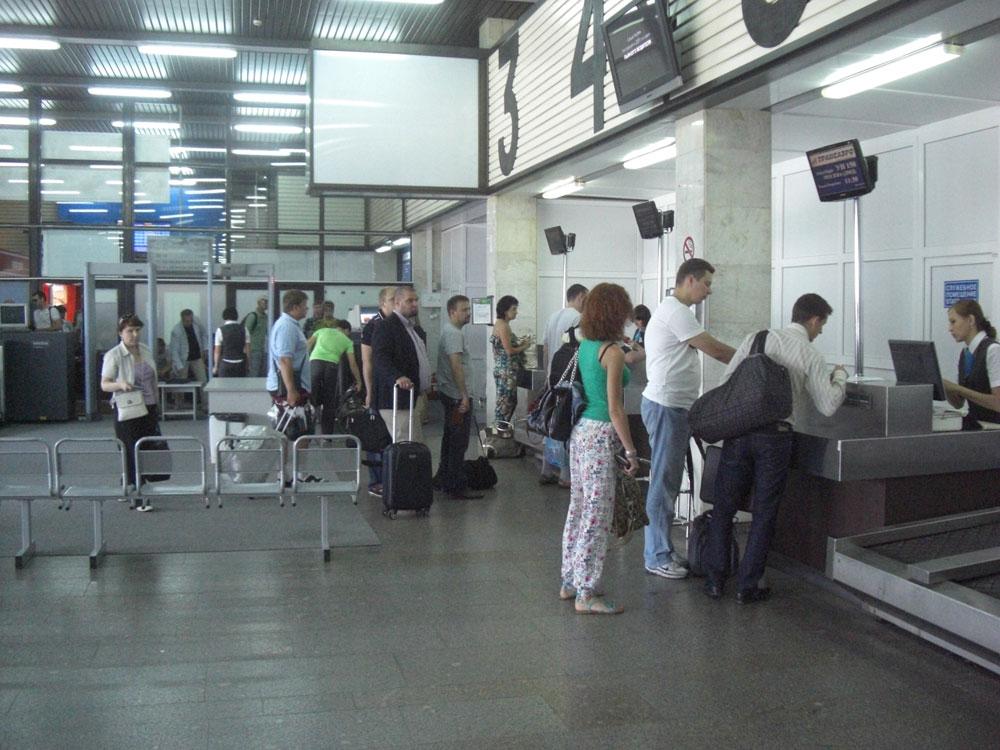 Стойки регистрации в аэропорту Казань