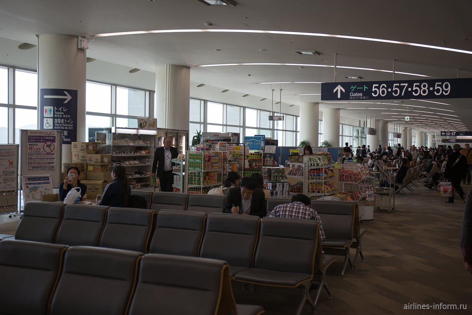 Чистая зона международного терминала аэропорта Фукуока, южное крыло