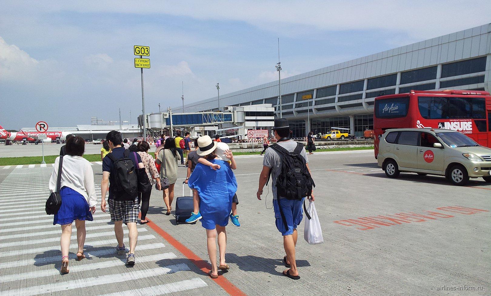 Бюджетный терминал в аэропорту Джакарты