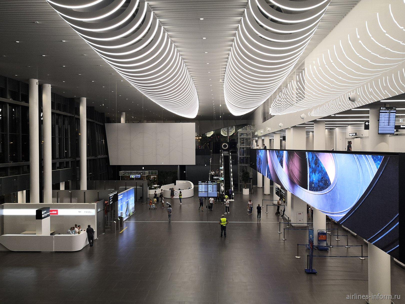 Общий зал пассажирского терминала аэропорта Гагарин