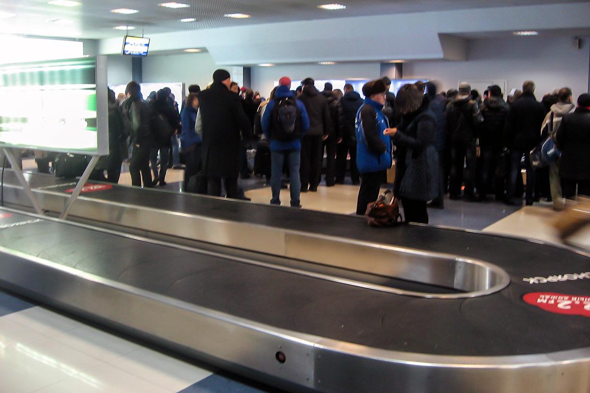 Зал получения багажа аэропорта Емельяново