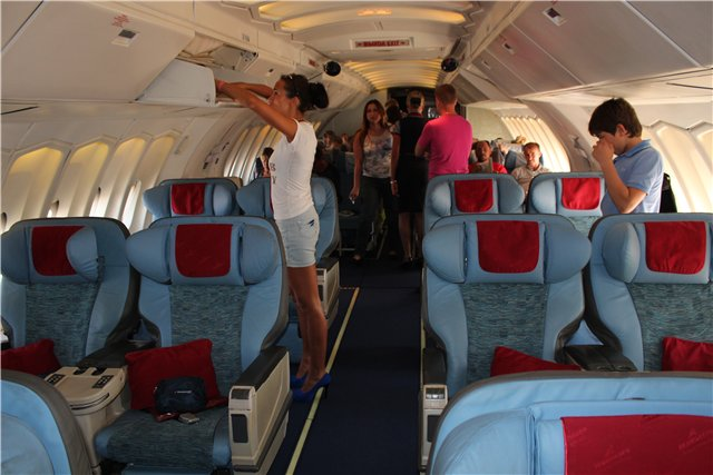 Салон бизнес-класса Боинга-747-300 авиакомпании Трансаэро