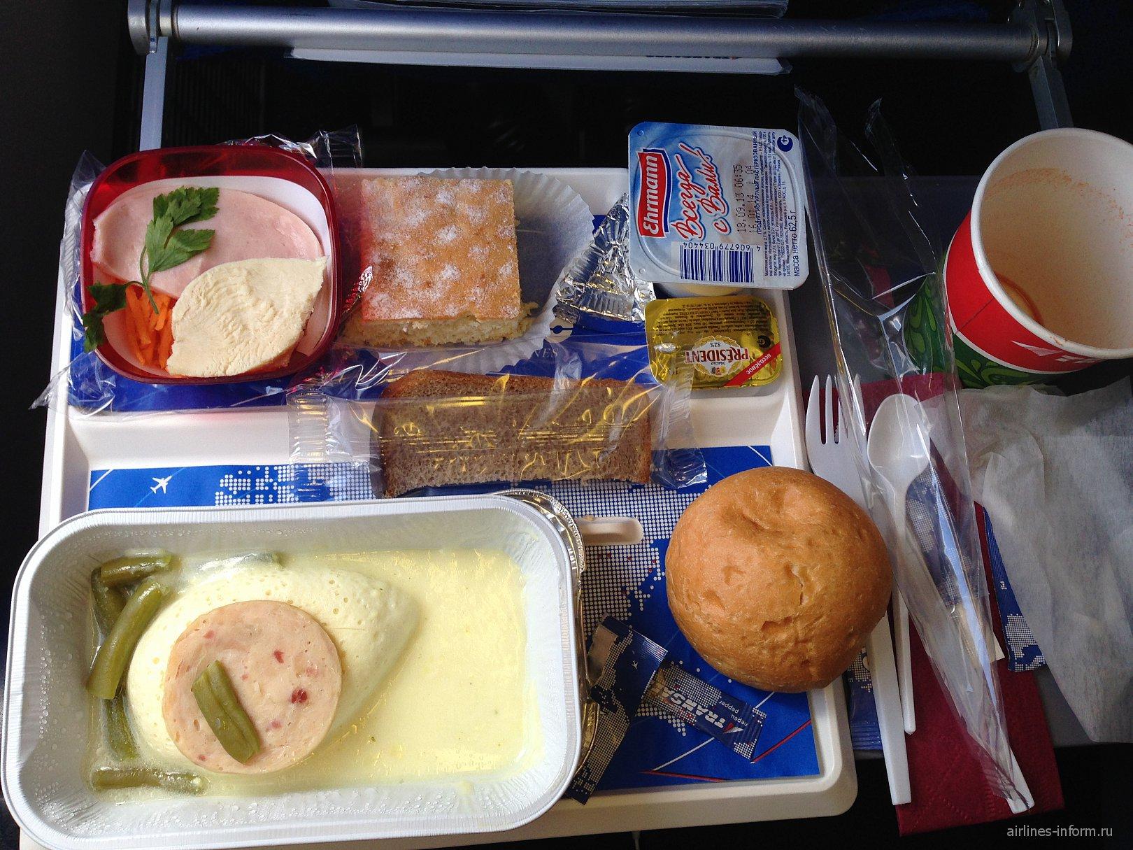 Питание на рейсе Новосибирск-Москва авиакомпании Трансаэро