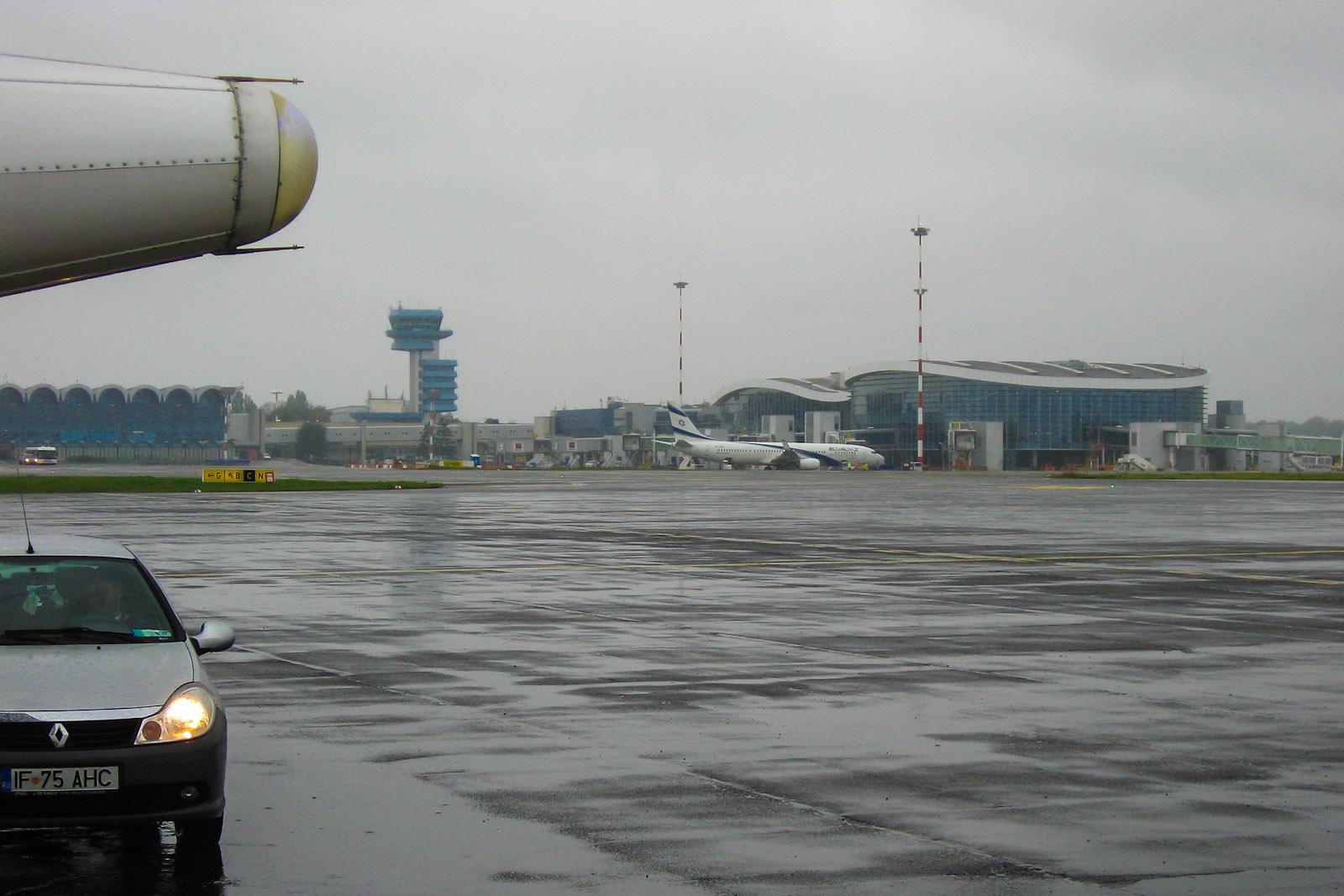 Пассажирский терминал аэропорта Бухарест Генри Коандэ