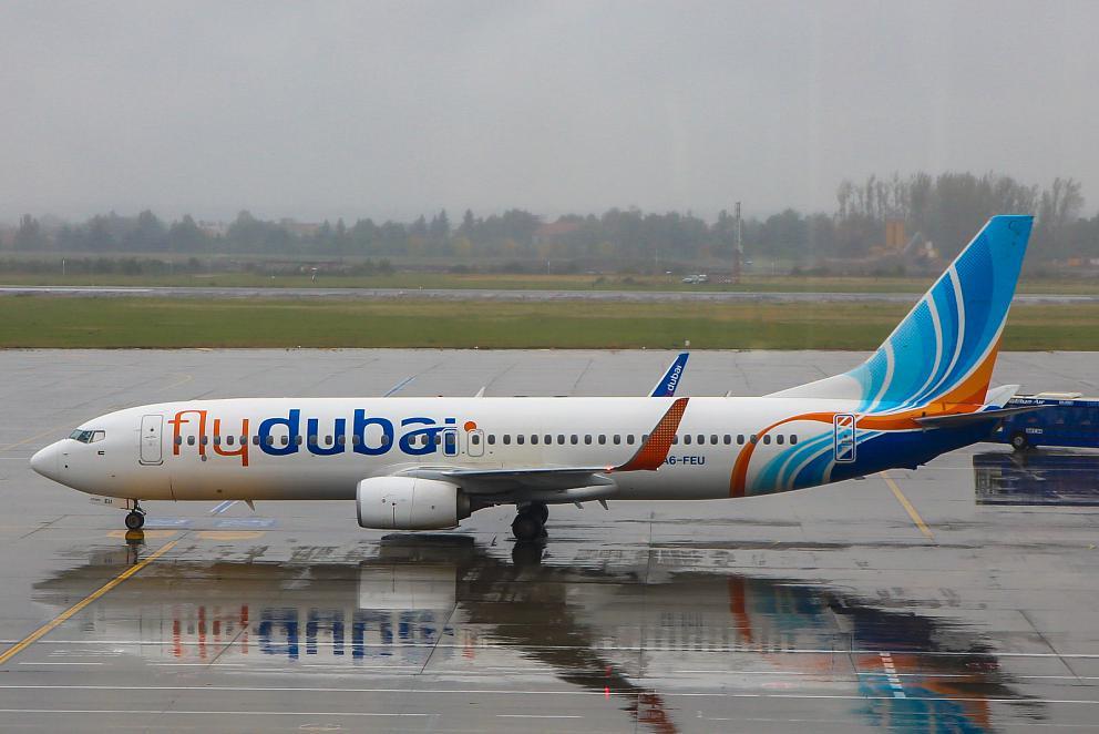 Боинг-737-800 авиакомпании Flydubai в аэропорту Бухареста