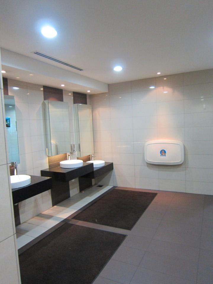 Туалет в аэропорту Куала-Лумпура