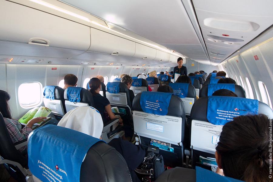 Салон самолета Xian MA60 авиакомпании Merpati Nusantara