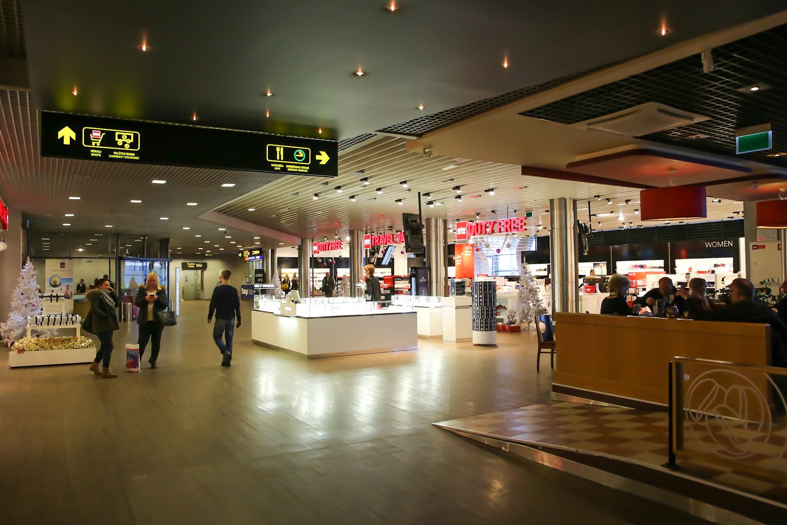 В чистой зоне аэропорта Рига