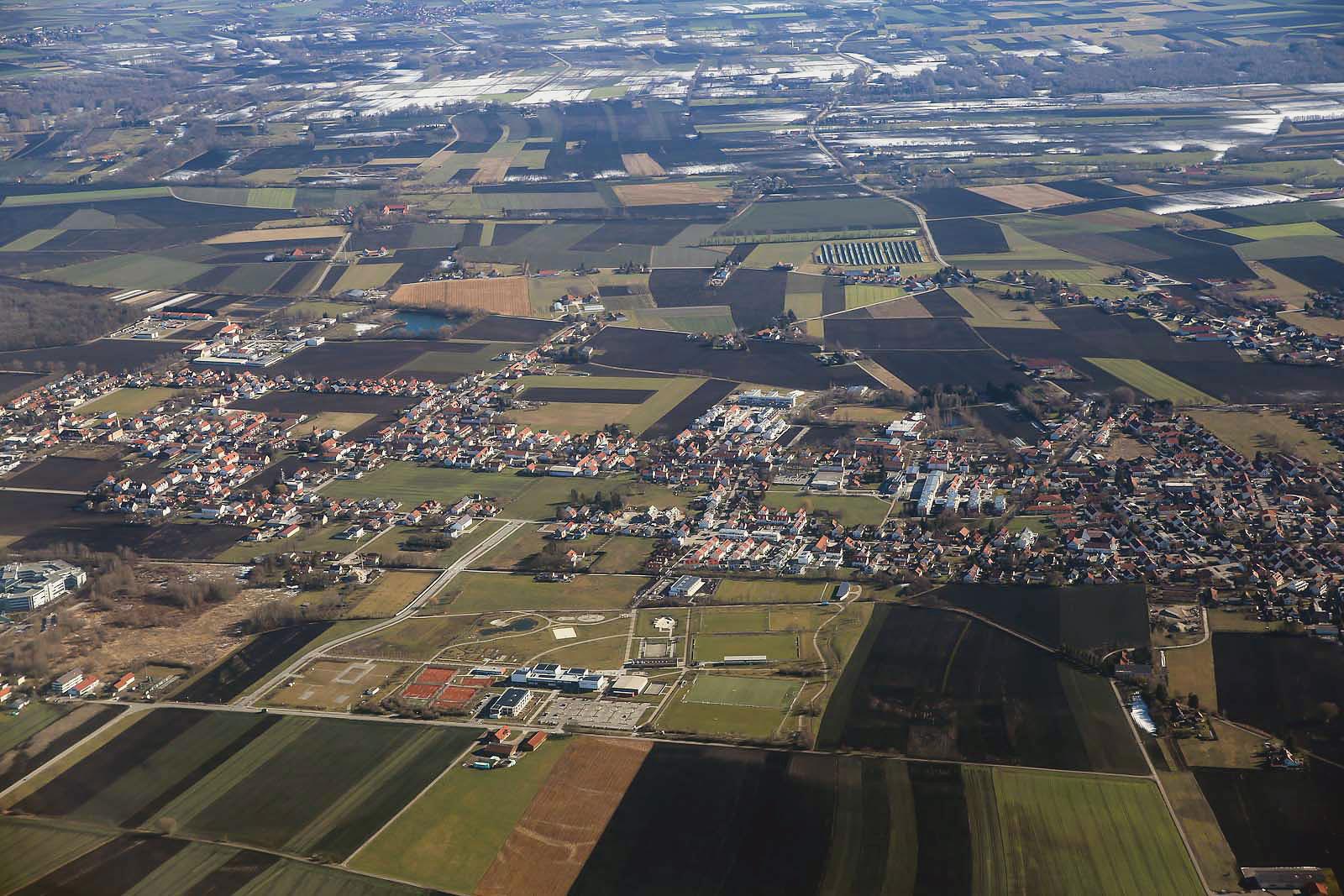 В полете над Баварией после взлета из аэропорта Мюнхен
