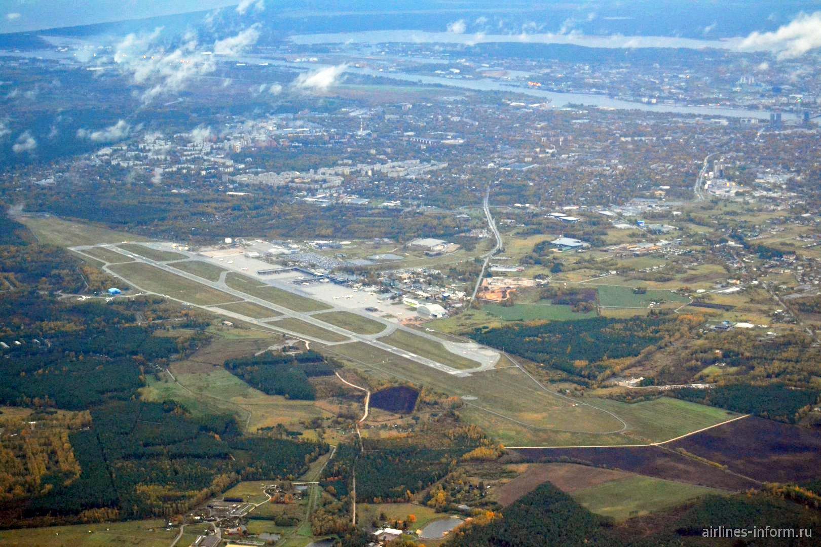 Вид на Ригу и аэропорт сразу после взлета