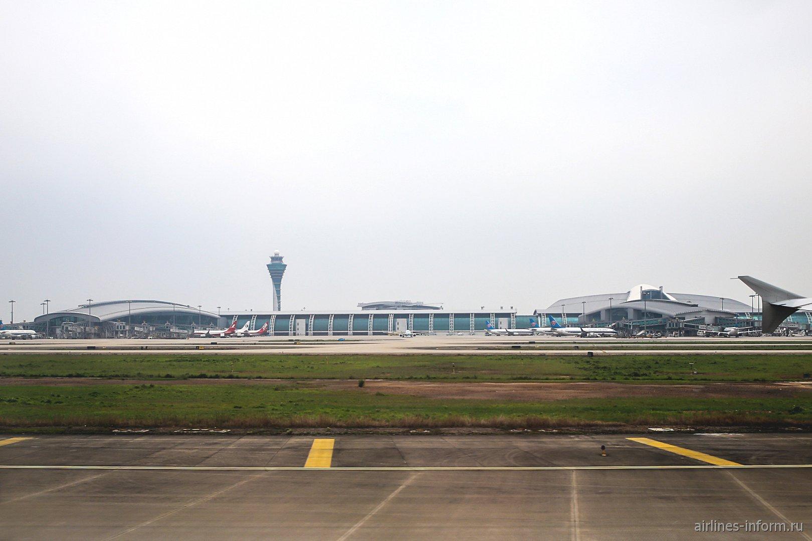 Пассажирский терминал аэропорта Гуанчжоу Байюнь