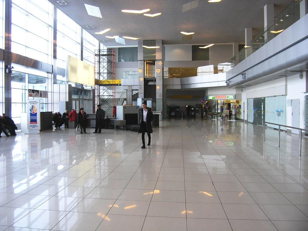Общая зона терминала Б международных авиалиний аэропорта Екатеринбург Кольцово
