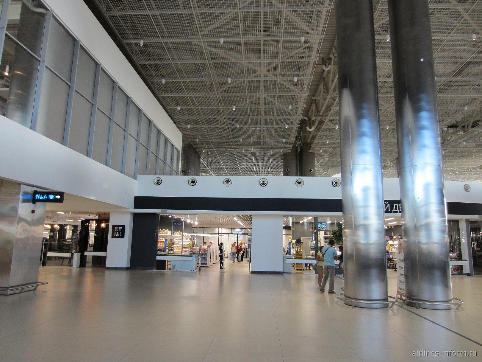 В стерильной зоне аэропорта Симферополь