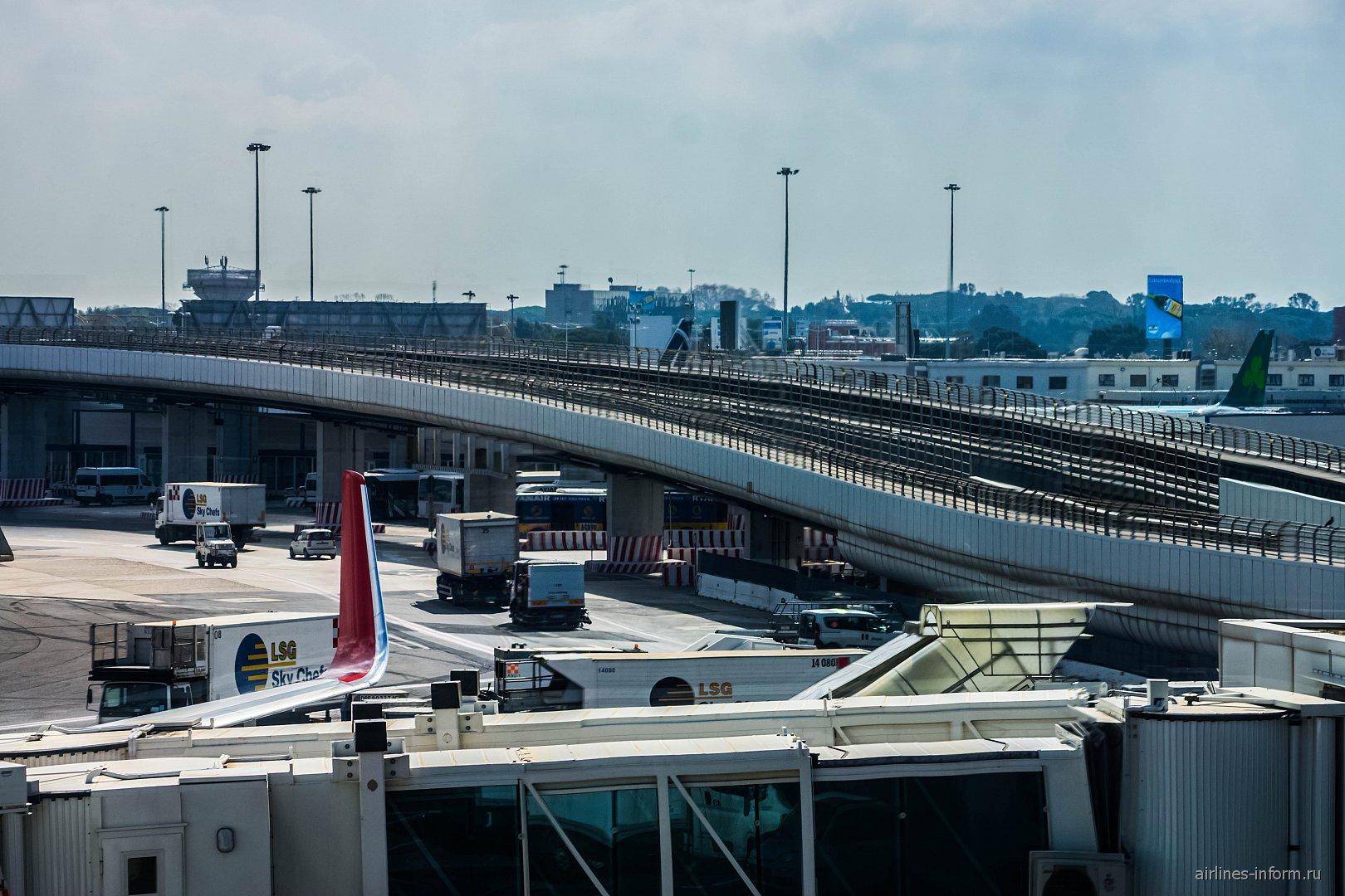 Линия пипл-мувера в аэропорту Рим Фьюмичино