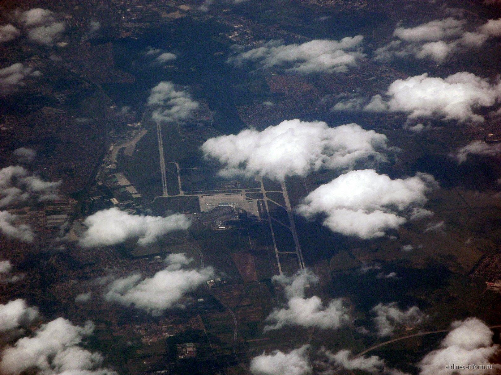 Аэропорт Будапешта с высоты 34 тыс футов