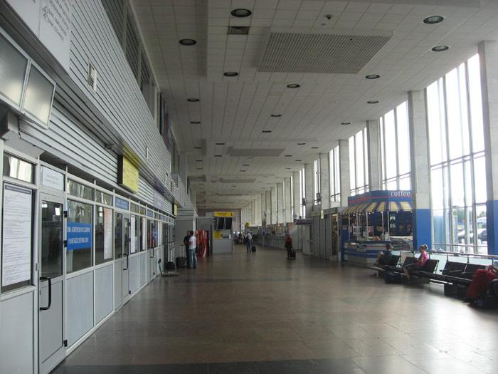 Внутри терминала B аэропорта Шереметьево