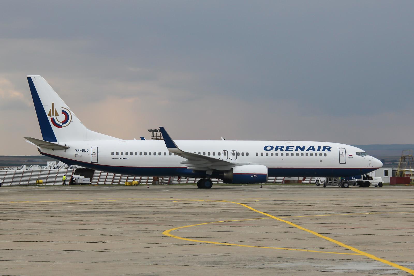 Боинг-737-800 авиакомпании Orenair в аэропорту Бургас