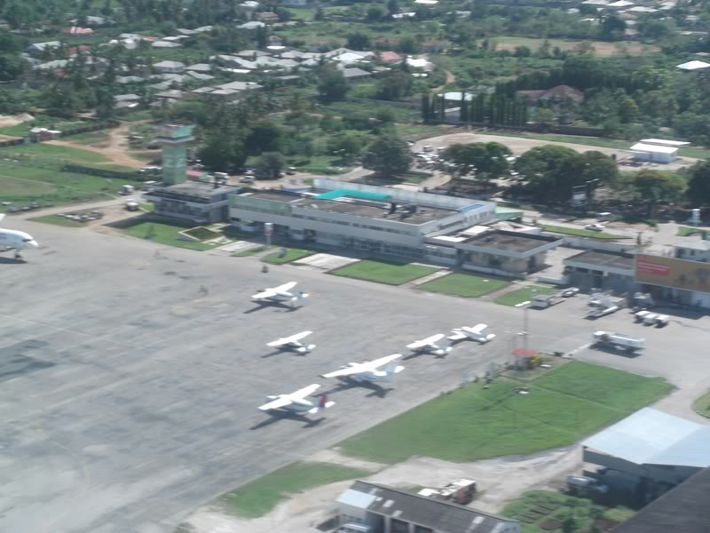 Взлет из аэропорта Занзибар