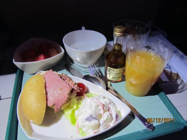 Meal on the flight Bankok - Hong Kong - Dubai