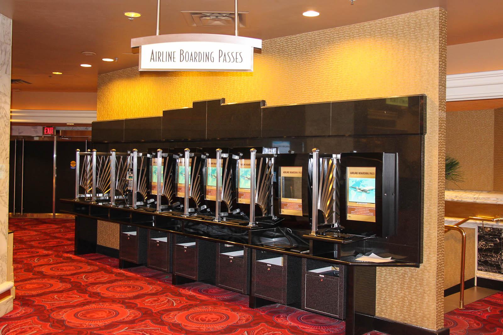Стойки саморегистрации на авиарейсы в отеле MGM Grand в Лас-Вегасе