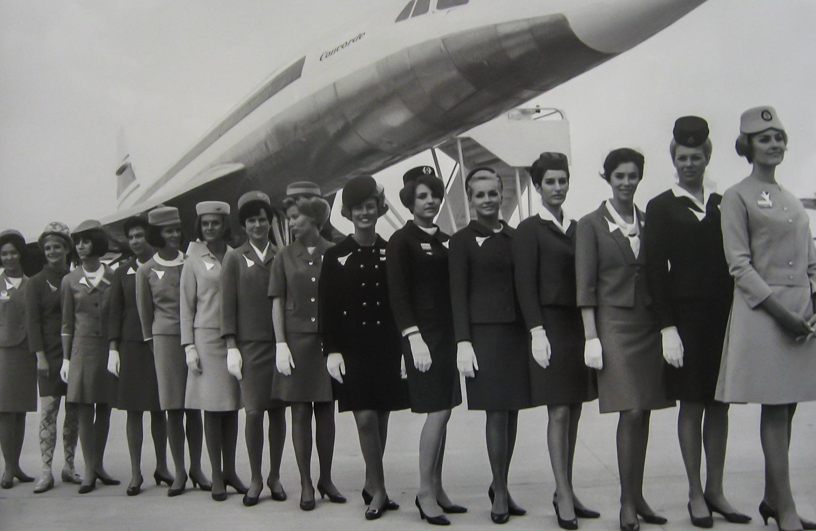 Фото Конкорда со стюардессами