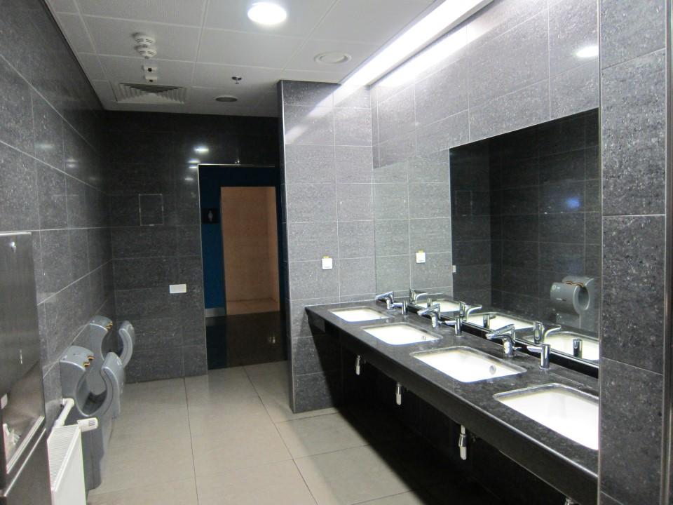 Туалет в терминале Д аэропорта Борисполь