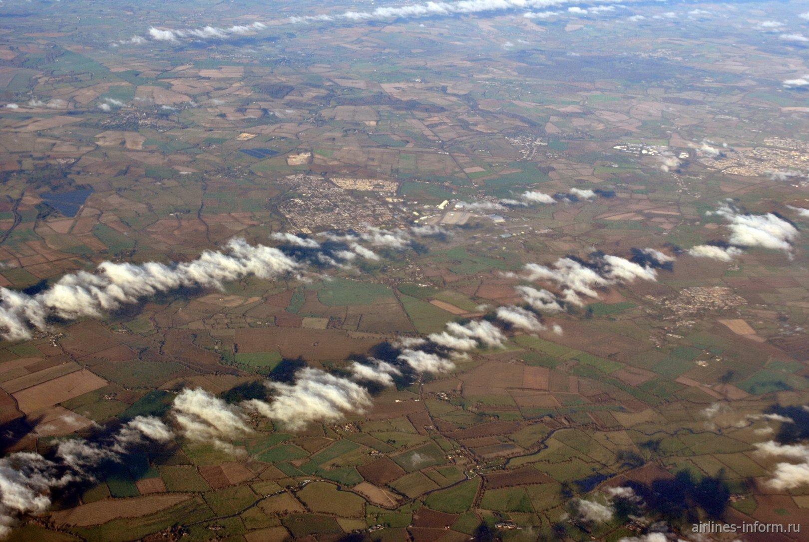 В полете над Англией. Внизу город Carterton.