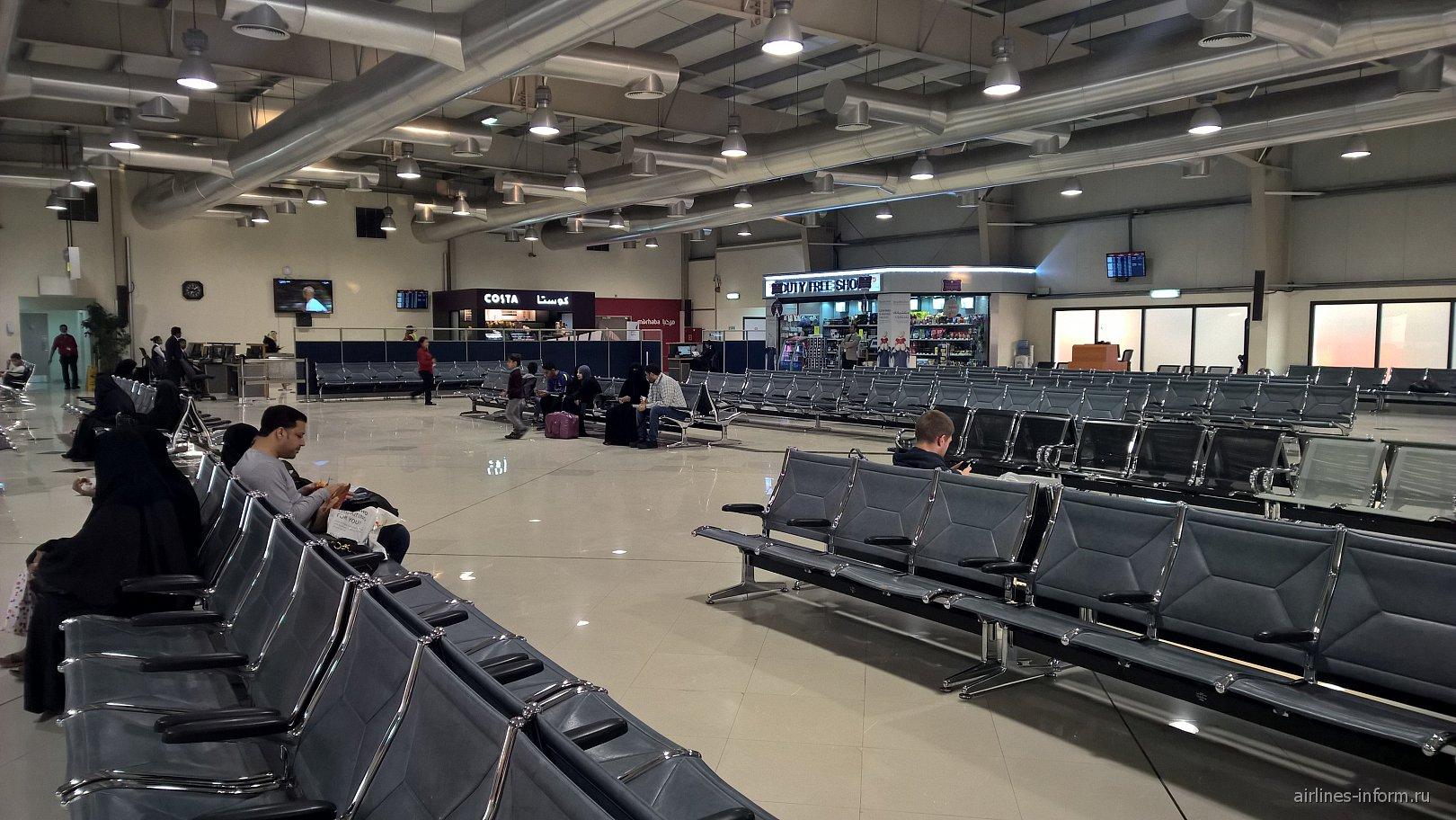 Зал ожидания в чистой зоне аэропорта Бахрейн