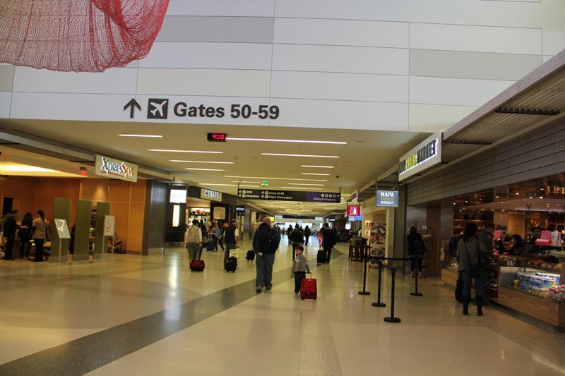 В стерильной зоне аэропорта Сан-Франциско