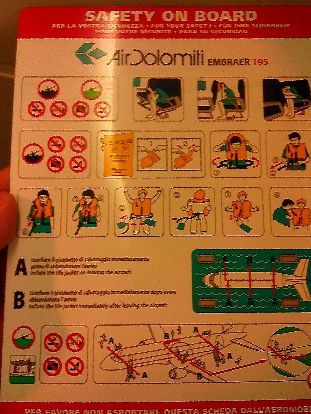 Инструкция по безопасности самолета Embraer 195 авиакомпании Air Dolomiti