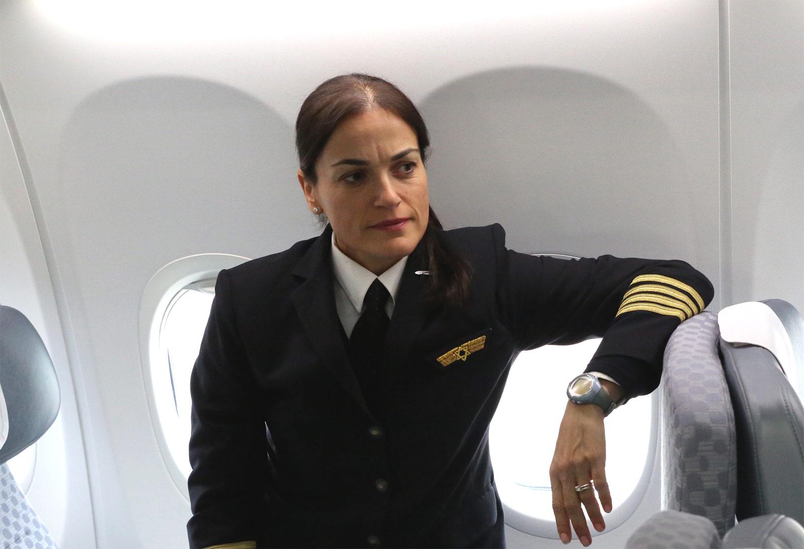 Smadar Shechter - командир Боинга-737 в авиакомпании Эль Аль