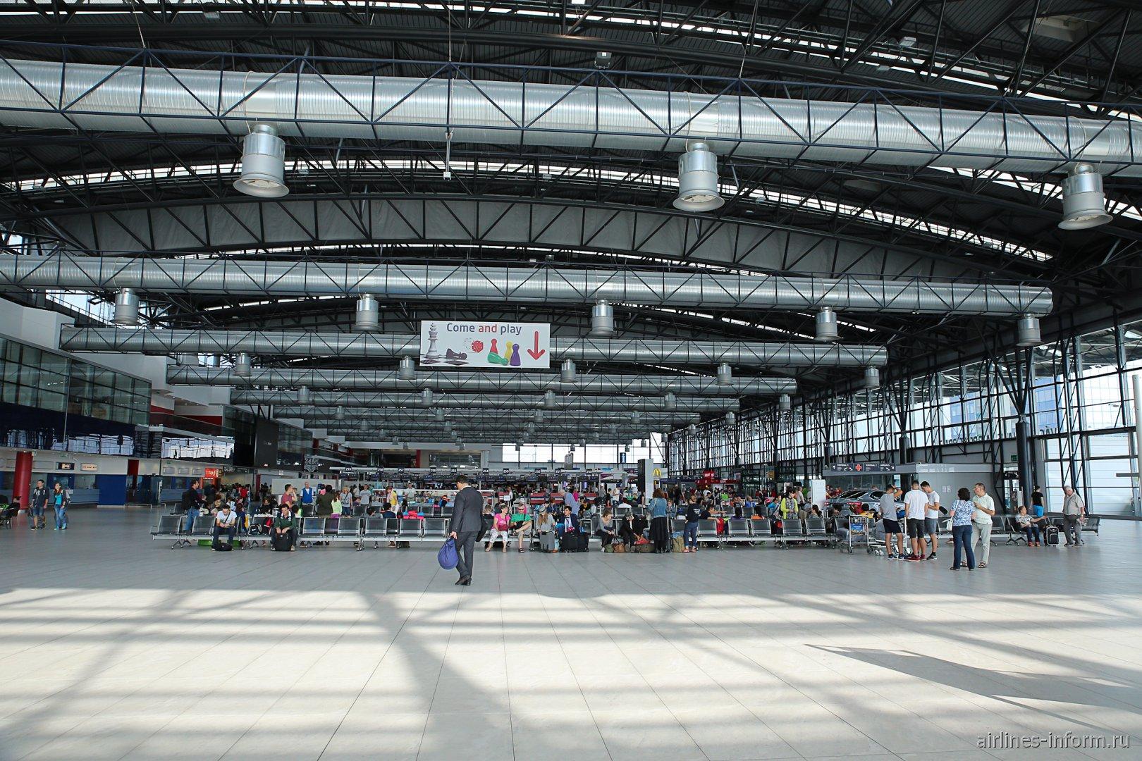 В терминале 2 аэропорта Прага Вацлав Гавел