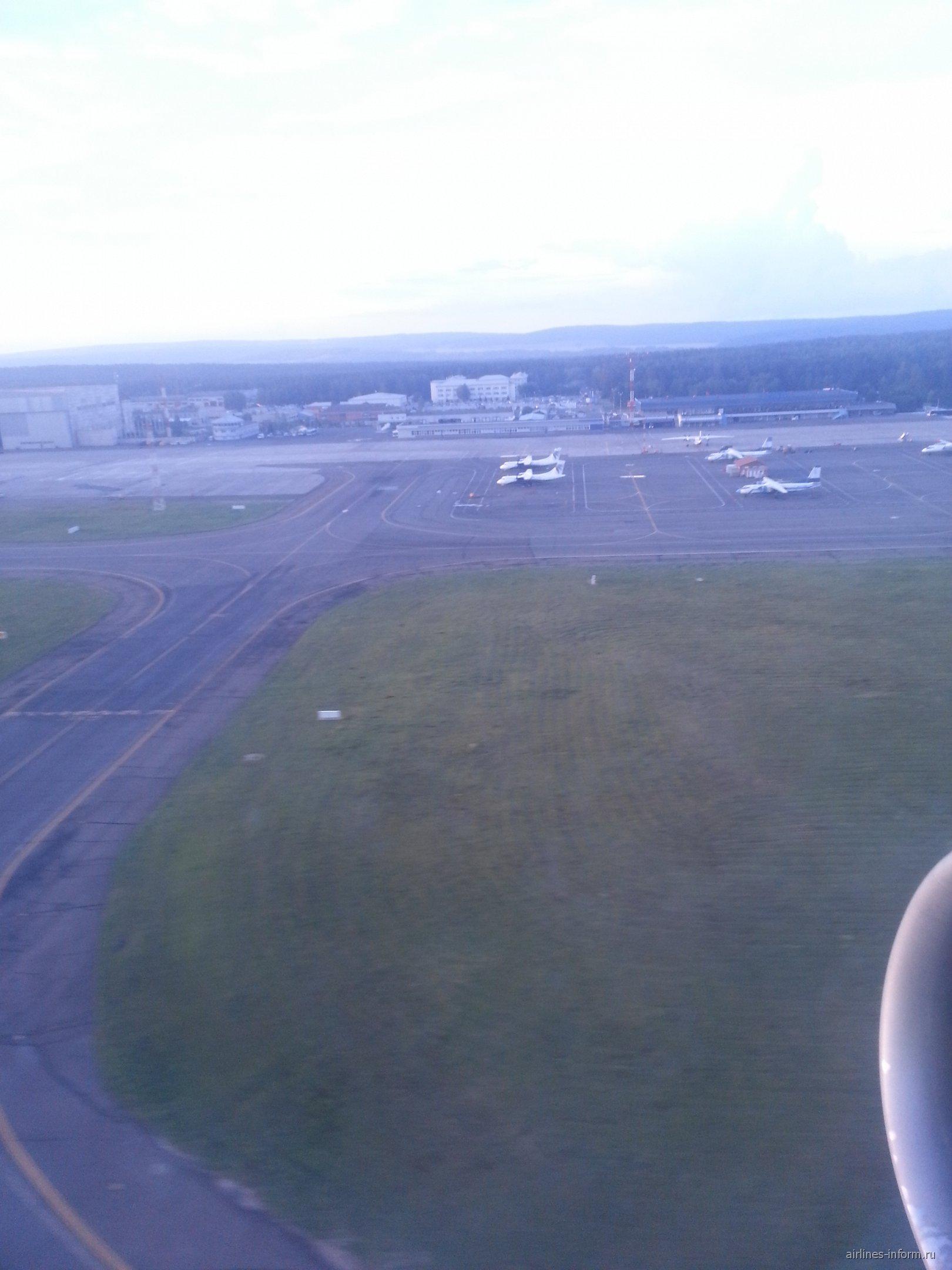Взлет из аэропорта Емельяново