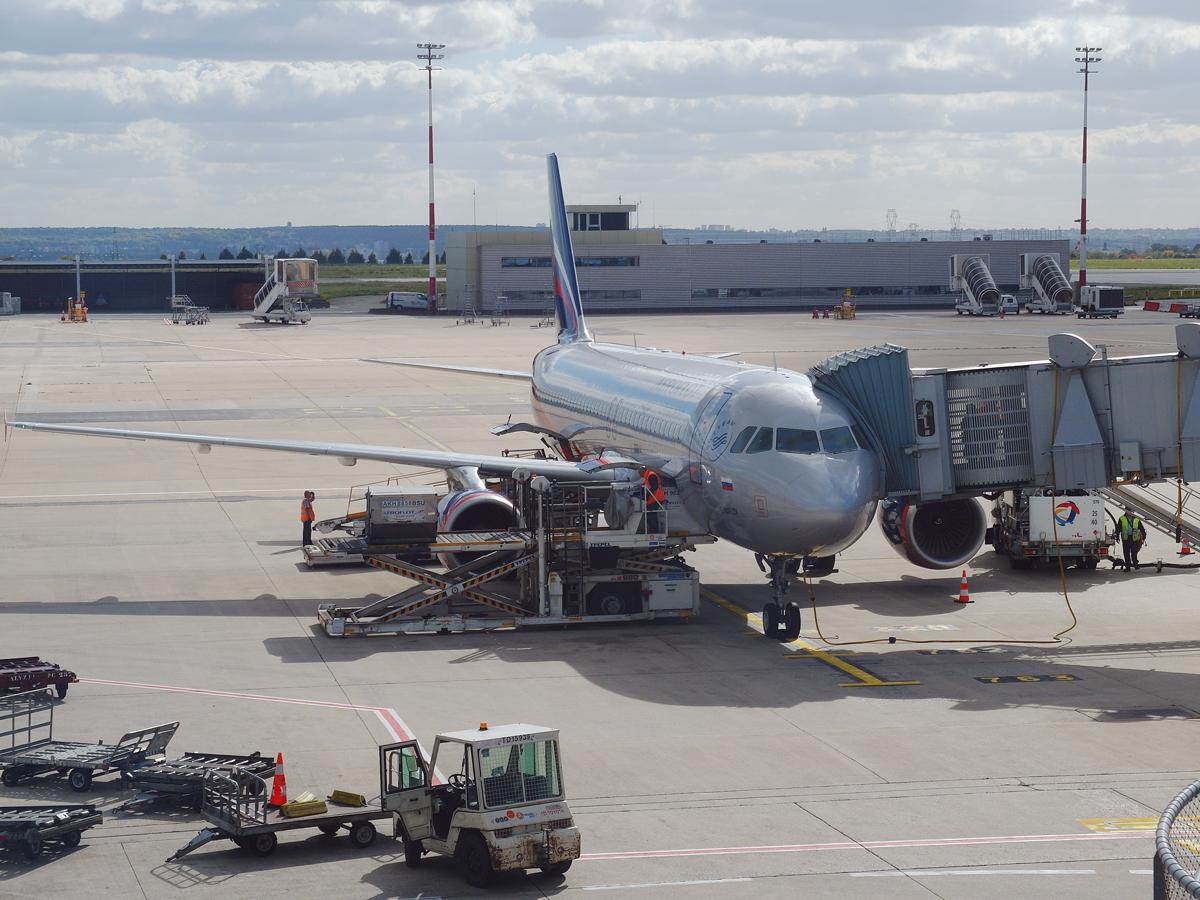Airbus A320 Аэрофлота в аэропорту Париж Шарль-де-Голль