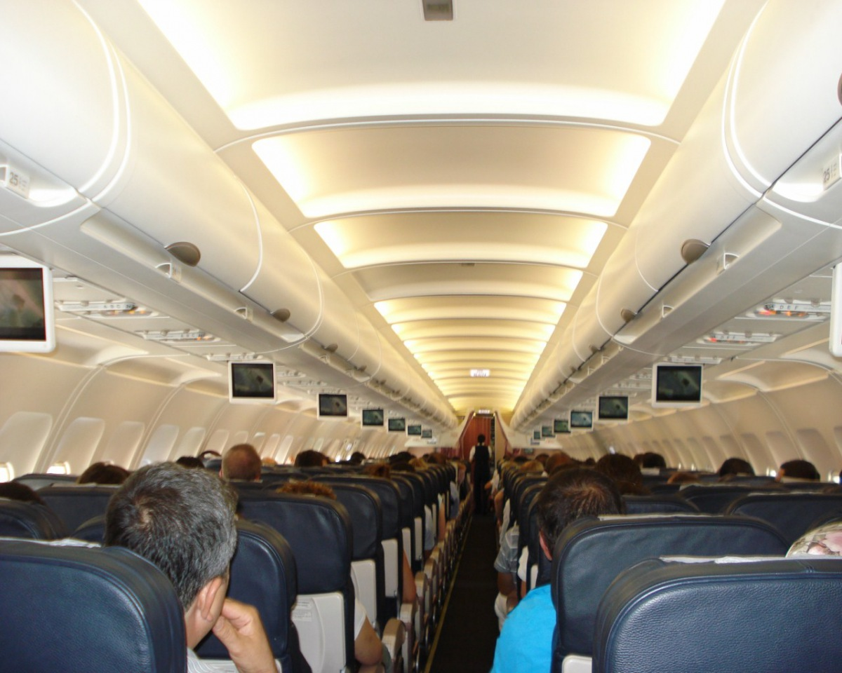 Passenger cabin of an Airbus A320 of Turkish Airlines
