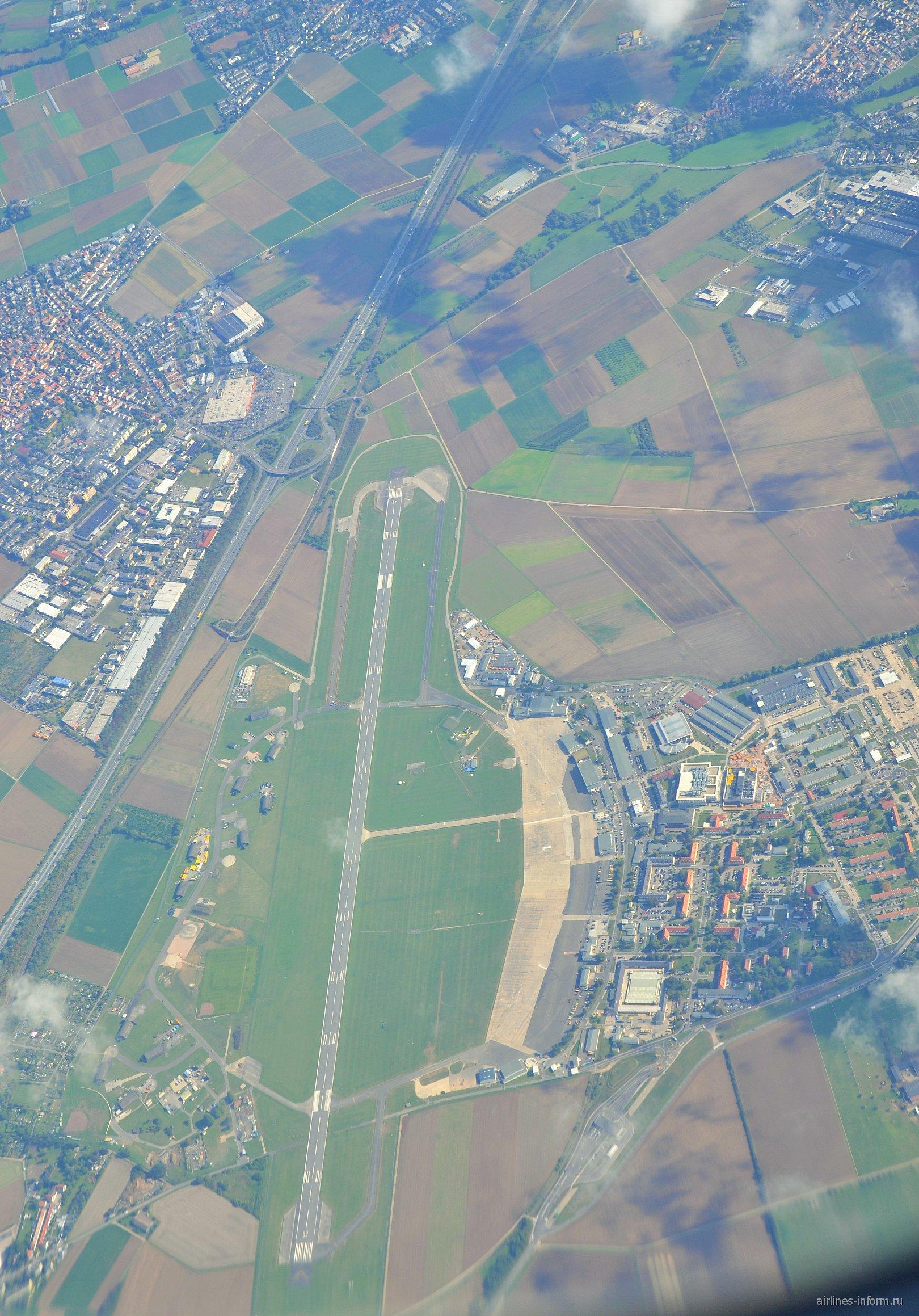 Вид сверху на аэродром Heli-Flight GmbH & Co.KG под Райхельсхаймом