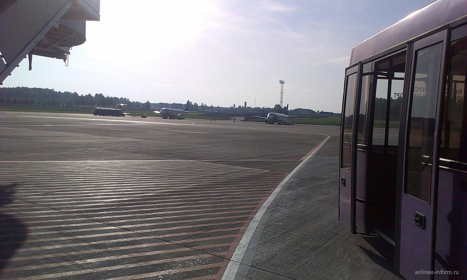 Из какого терминала домодедово вылеты в минске
