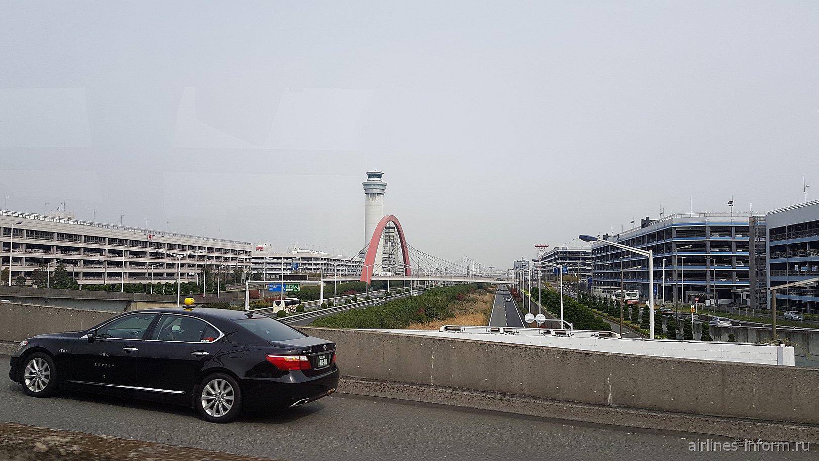 Автомобильные парковки в аэропорту Токио Нарита