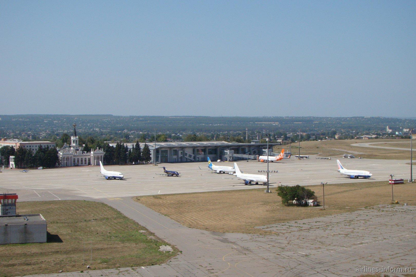 Перрон аэропорта Харьков