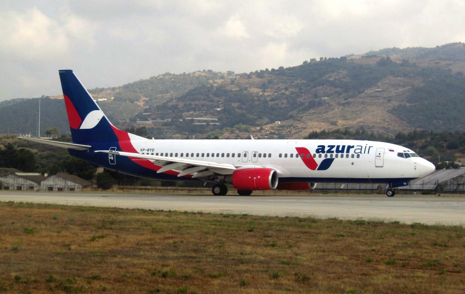 Самолет Боинг-737-800 VP-BYD авиакомпании Azur Air в аэропорту Алания Газипаша