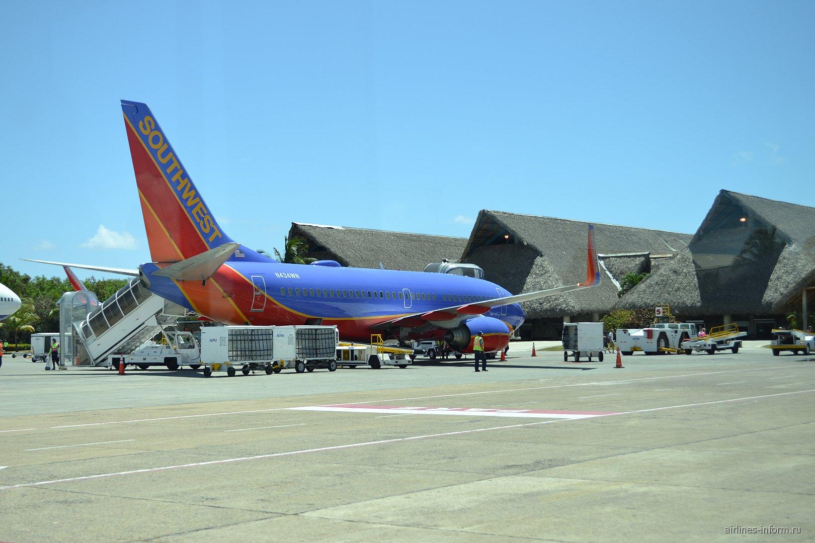 "Боинг-737-700 авиакомпании ""Southwest"" в аэропорту Пунта-Кана"