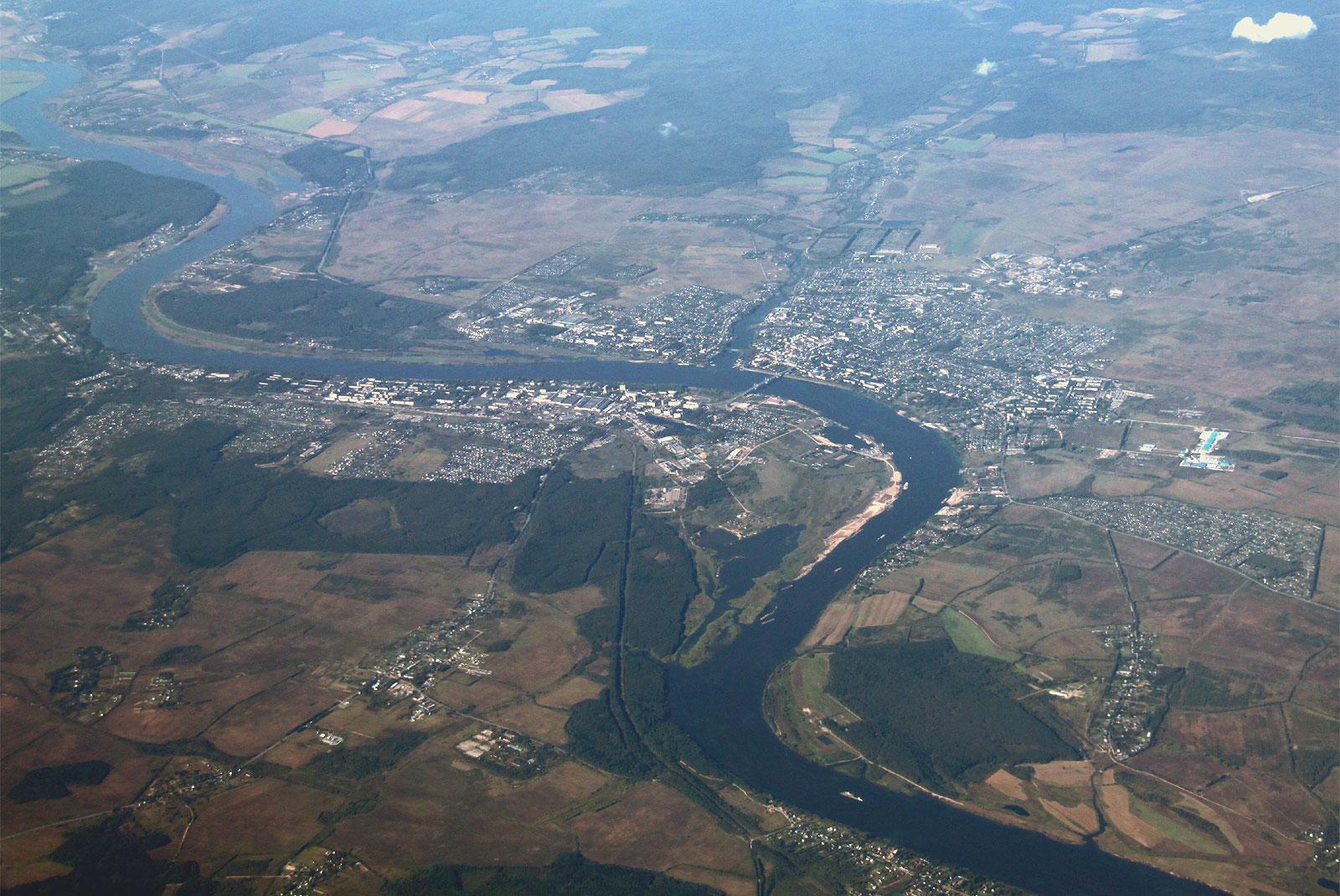 Вид на город Кимры и реку Волга