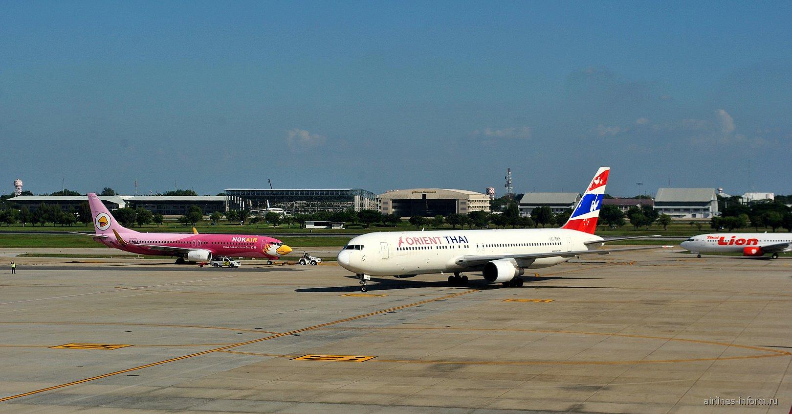 Летное поле аэропорта Бангкок Дон Муанг