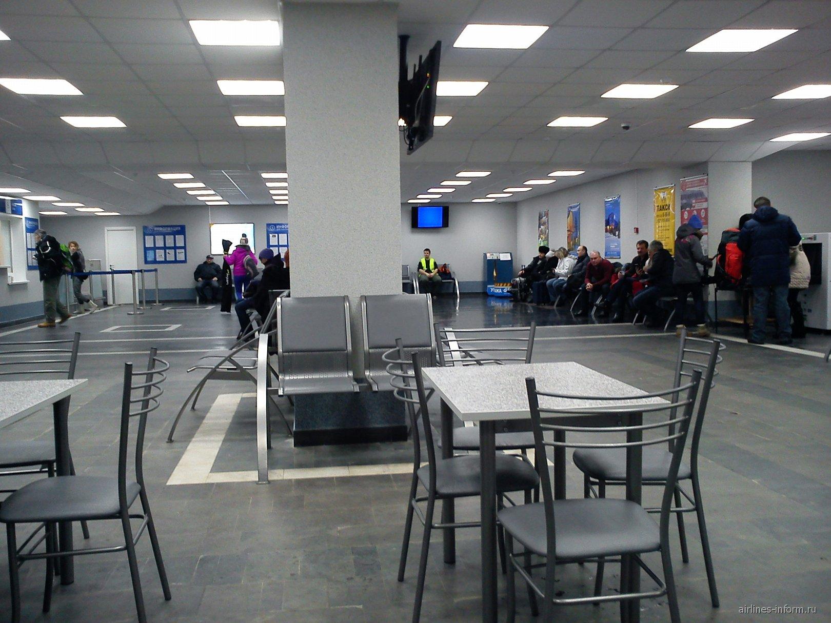 Зал ожидания в аэропорту Апатиты Хибины
